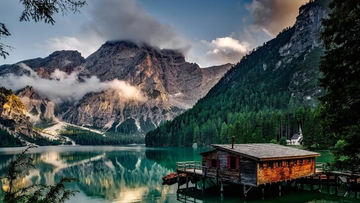 Lake Prags - Italy Wallpaper