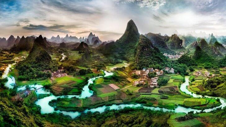 Lovely Green Hills Wallpaper