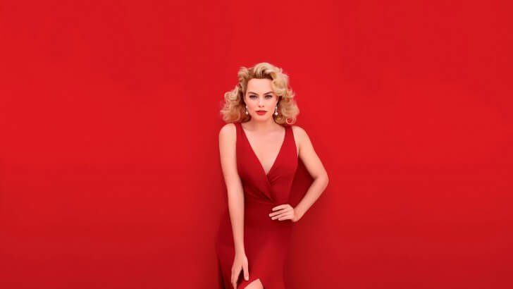Margot Robbie In Red Wallpaper