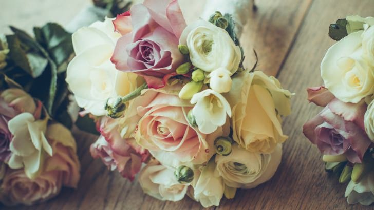 Roses Bouquet Composition Wallpaper