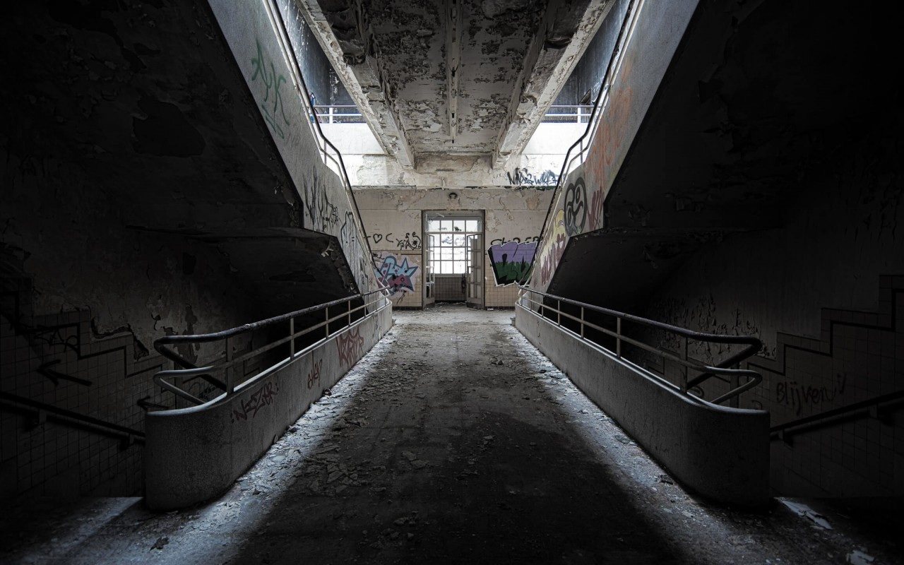 Abandoned stairs Wallpaper for Desktop 1280x800