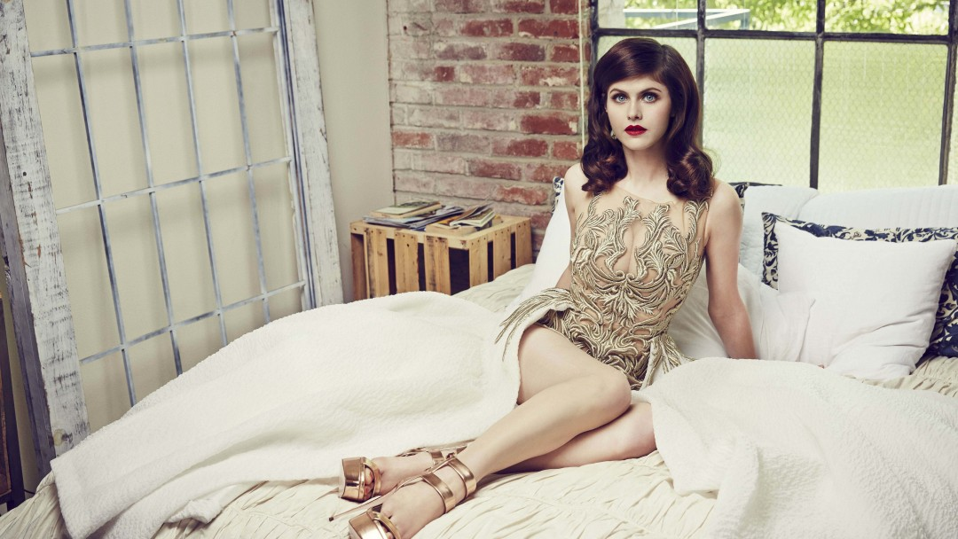 Alexandra Daddario Posing Wallpaper for Social Media Google Plus Cover