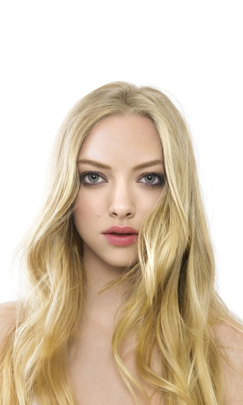Amanda Seyfried Portrait Wallpaper for SAMSUNG Galaxy S3 Mini