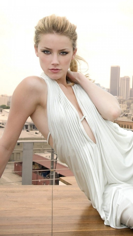 Amber Heard Wallpaper for SAMSUNG Galaxy S4 Mini