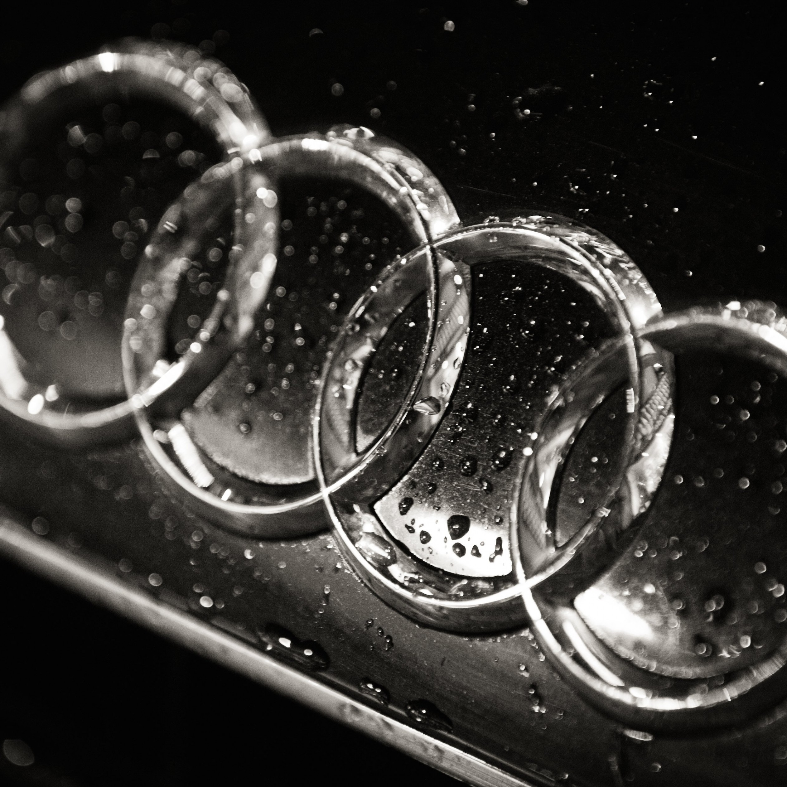 Audi Logo in Black & White Wallpaper for Apple iPad Air