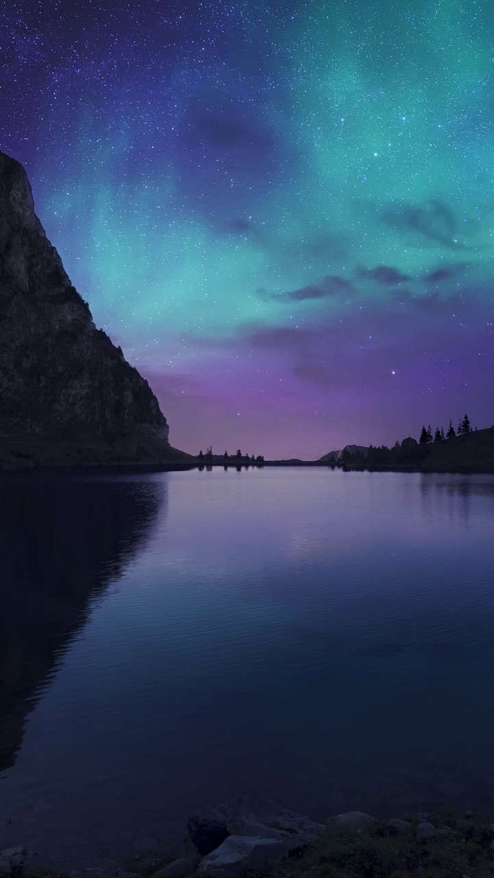 Aurora Over Bannalpsee - Switzerland Wallpaper for SAMSUNG Galaxy S3