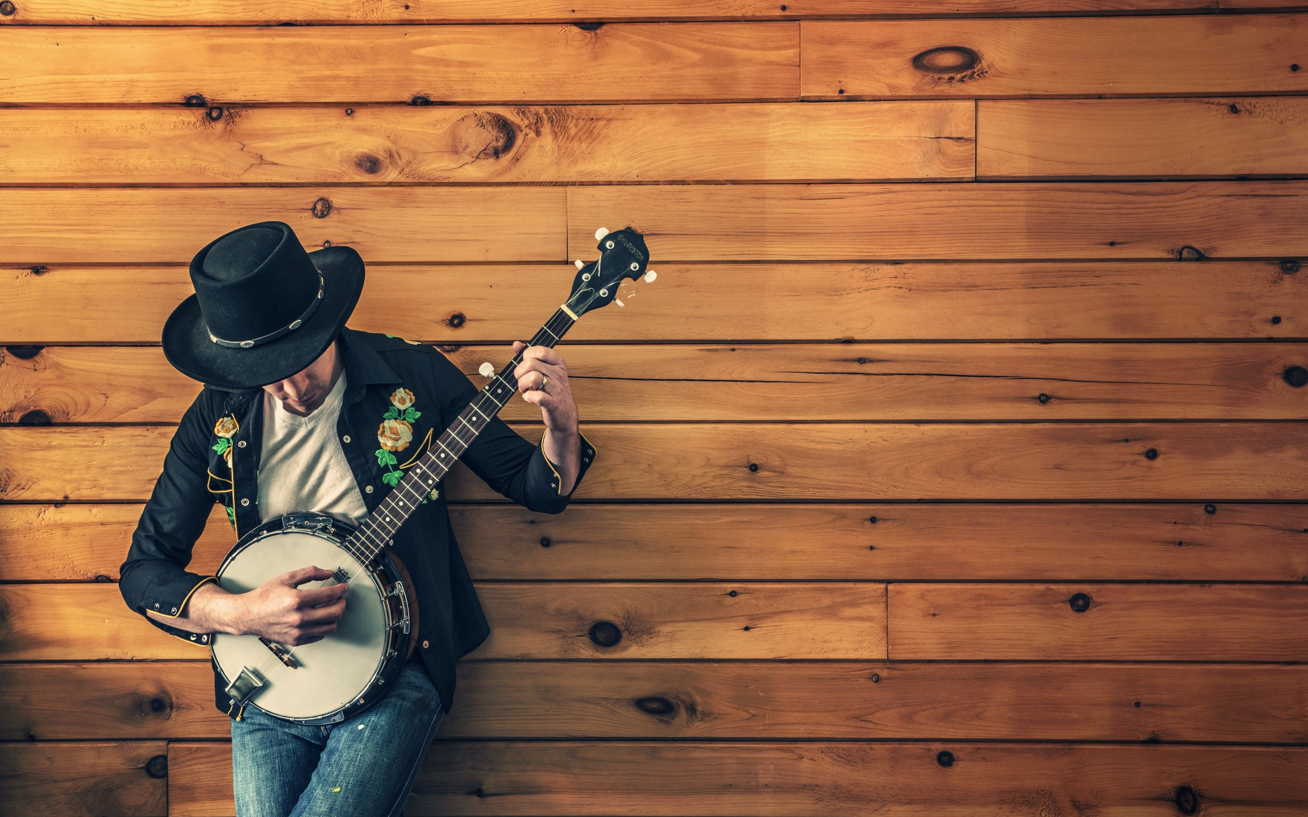 Banjo Player Wallpaper for Desktop 2560x1600
