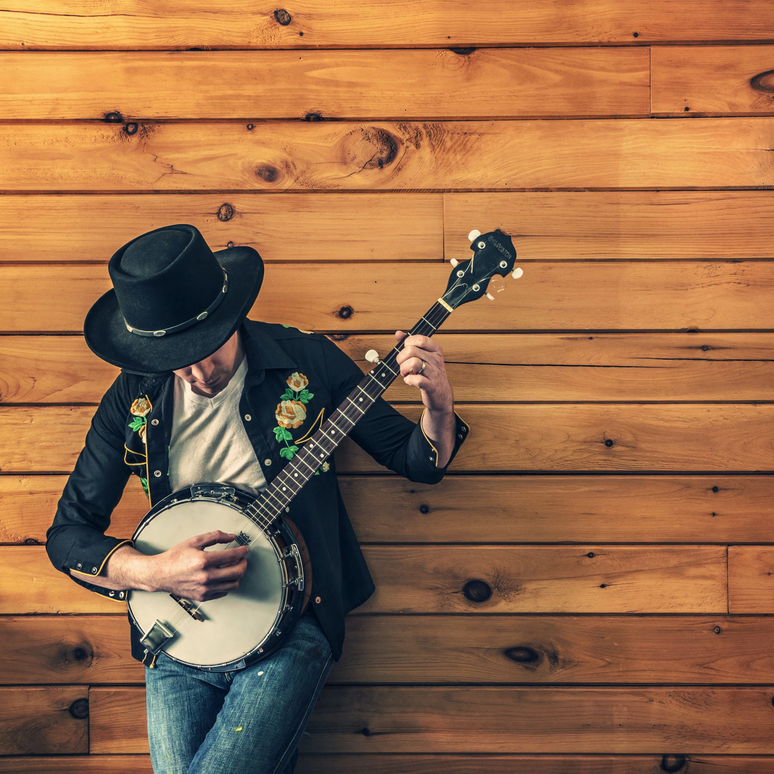 Banjo Player Wallpaper for Apple iPad 3