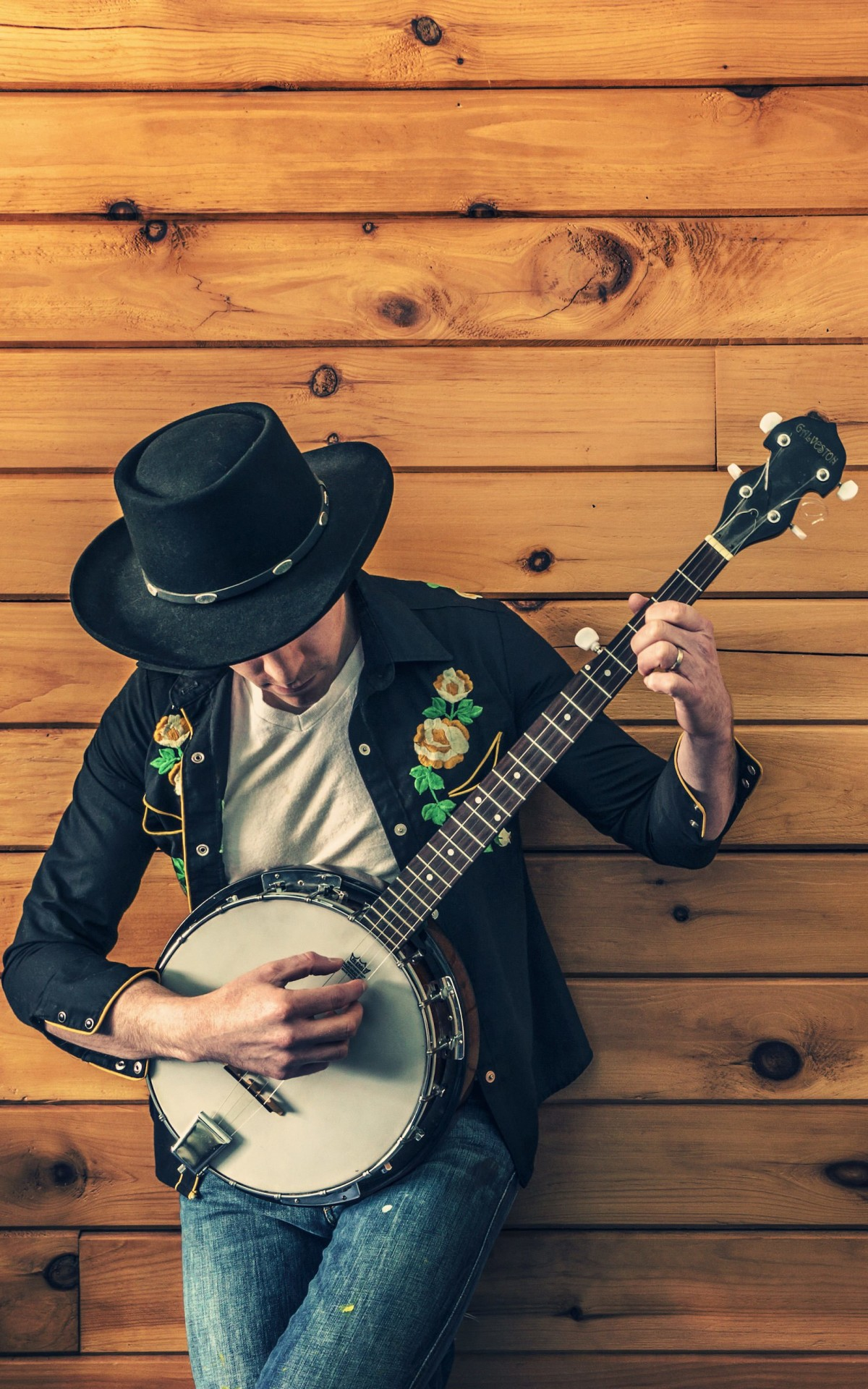 Banjo Player Wallpaper for Amazon Kindle Fire HDX