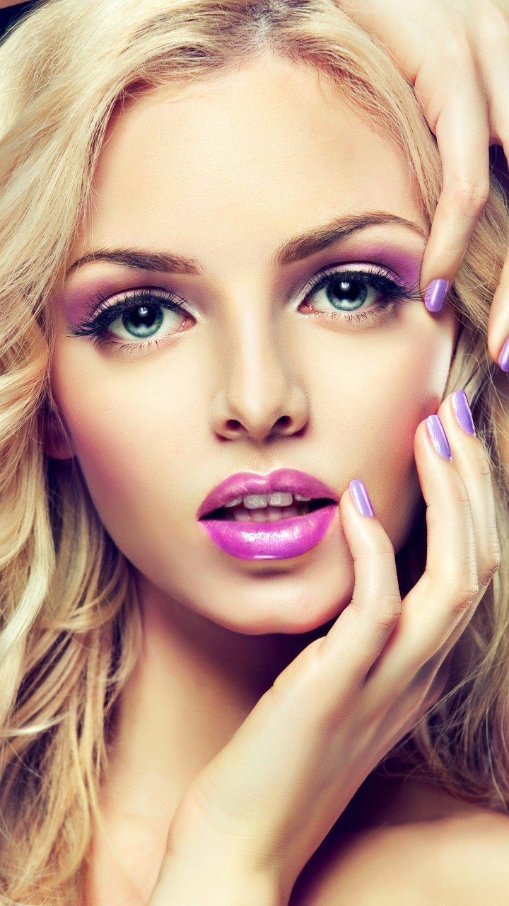 Beautiful Blonde Girl With Lilac Makeup Wallpaper for HTC One mini