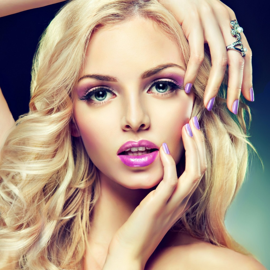 Beautiful Blonde Girl With Lilac Makeup Wallpaper for Apple iPad 2