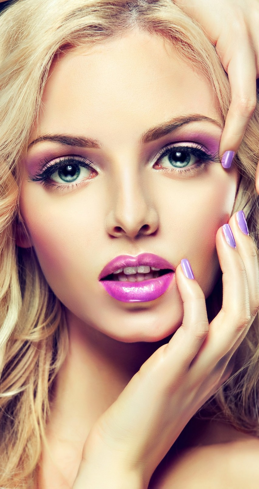 Beautiful Blonde Girl With Lilac Makeup Wallpaper for Apple iPhone 6 / 6s