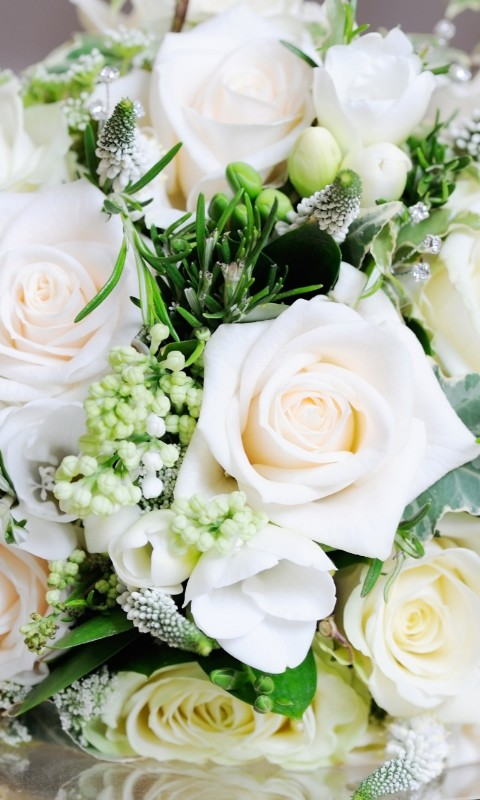 Beautiful White Roses Bouquet Wallpaper for HTC Desire HD