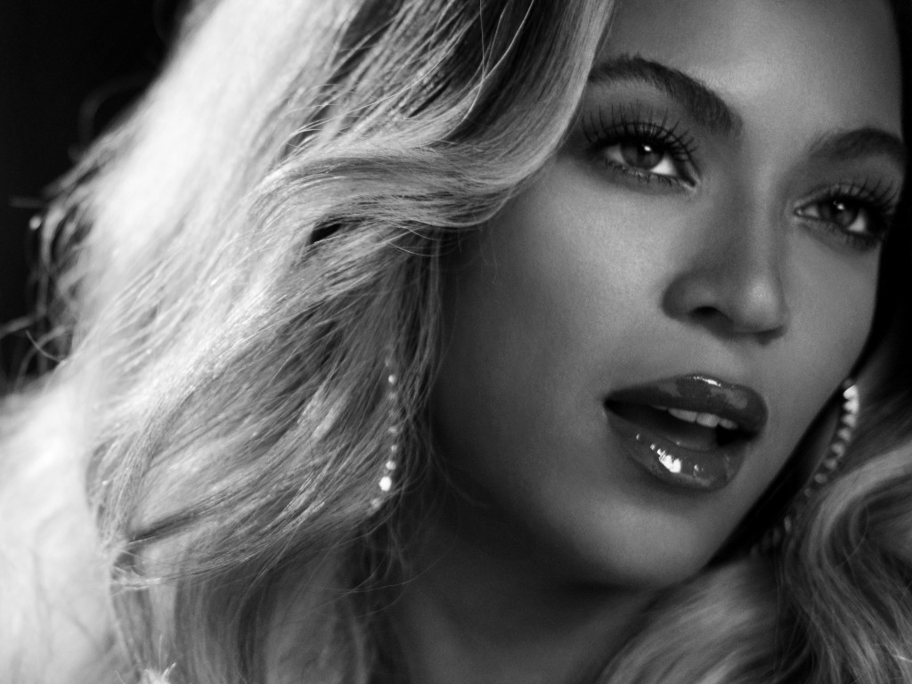 Beyonce in Black & White Wallpaper for Desktop 1024x768