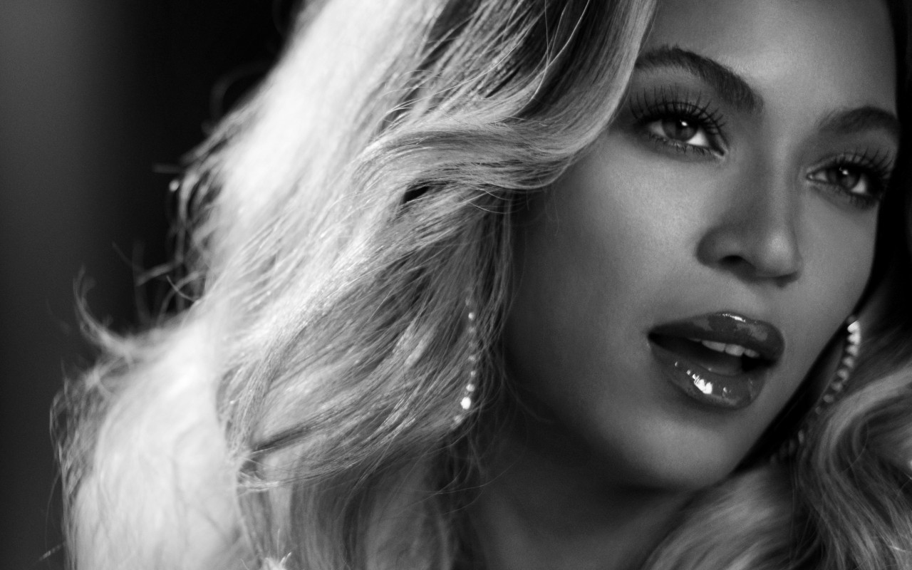 Beyonce in Black & White Wallpaper for Desktop 1280x800