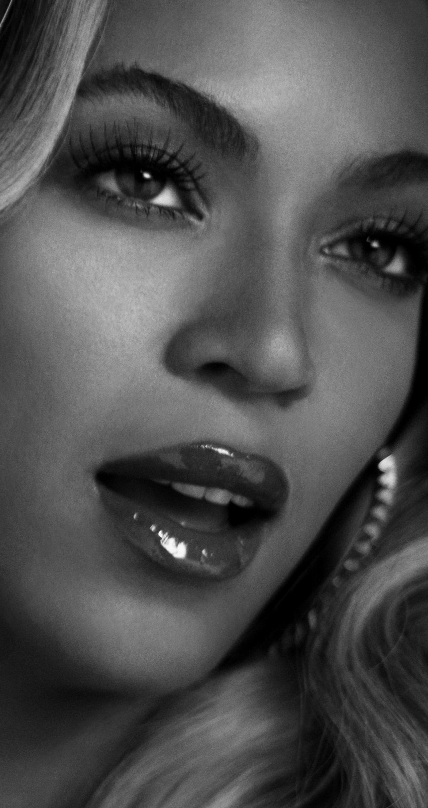 Beyonce in Black & White Wallpaper for Apple iPhone 6 / 6s