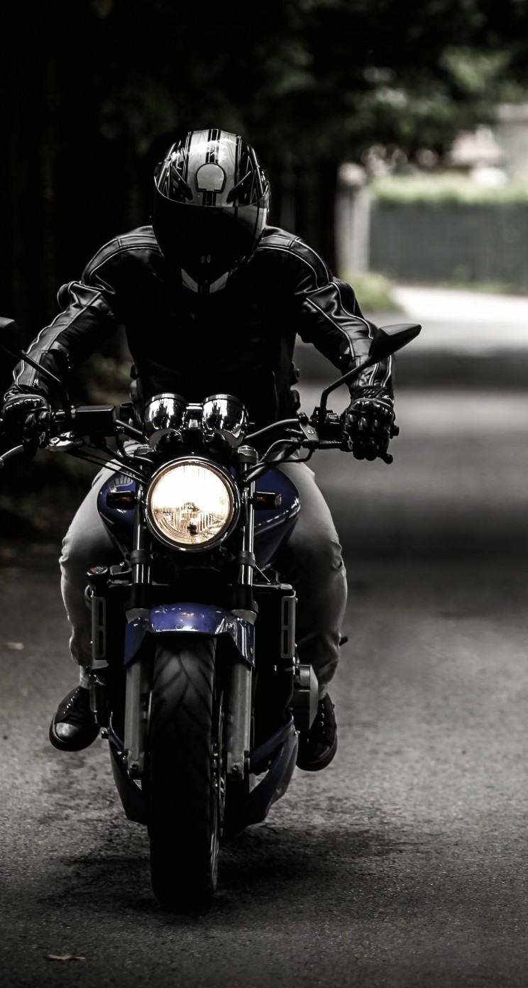Bike Rider Wallpaper for Apple iPhone 5 / 5s