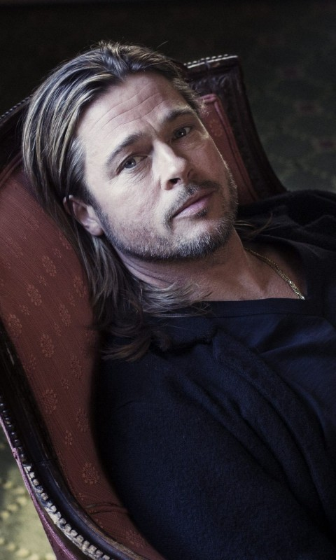 Brad Pitt Sitting On Chair Wallpaper for HTC Desire HD