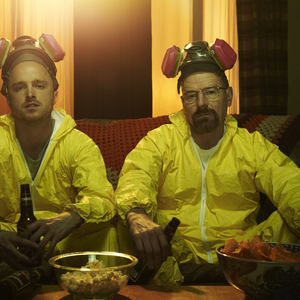 Breaking Bad - Jesse & Walt Drinking Wallpaper for Apple iPad 2