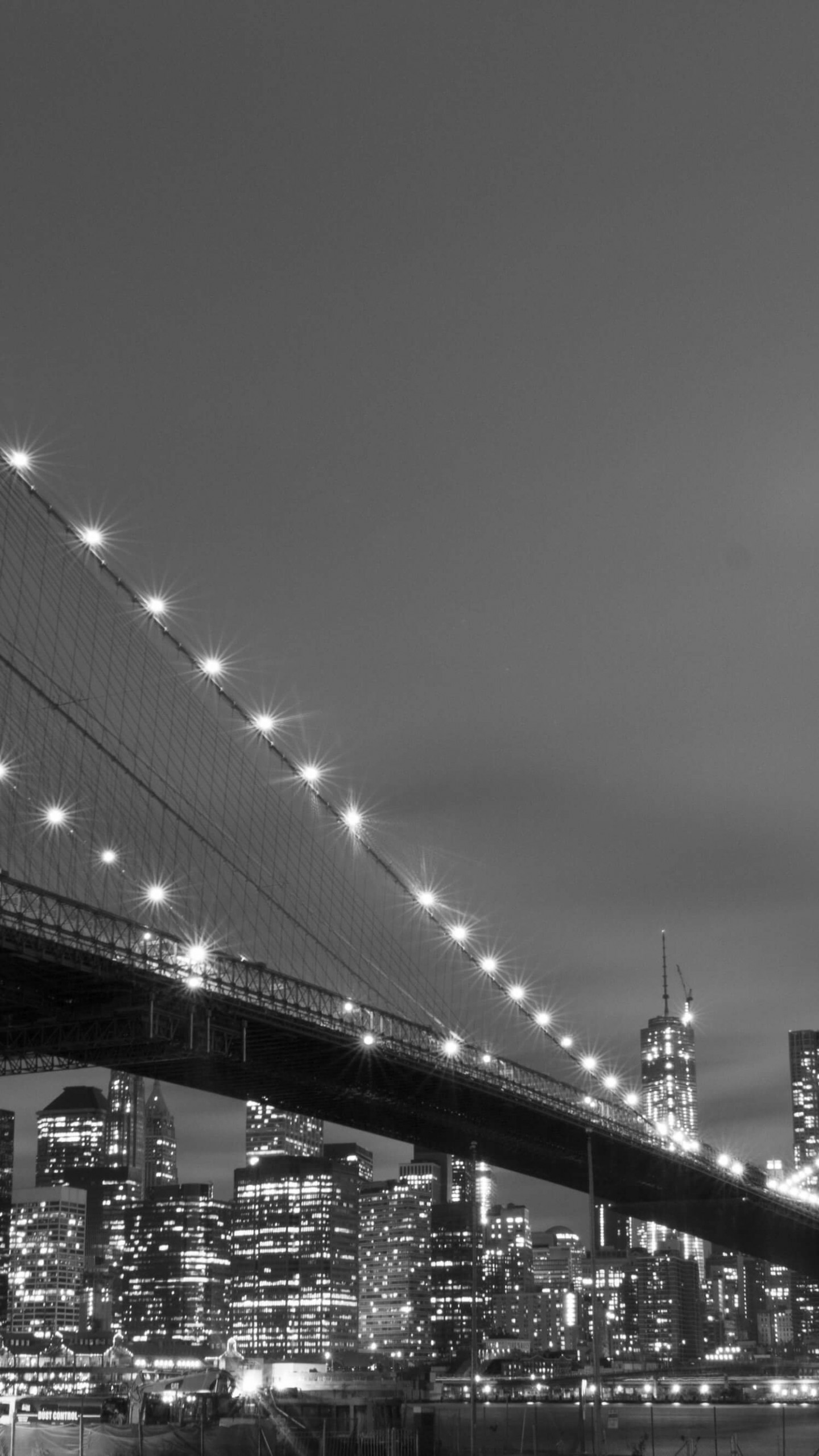 Brooklyn Bridge, New York City in Black & White Wallpaper for SAMSUNG Galaxy Note 4