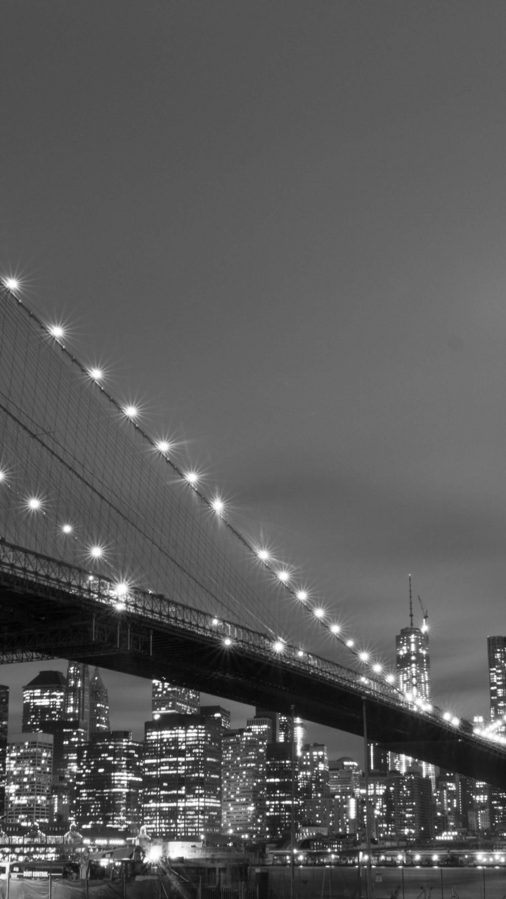 Brooklyn Bridge, New York City in Black & White Wallpaper for SAMSUNG Galaxy S3
