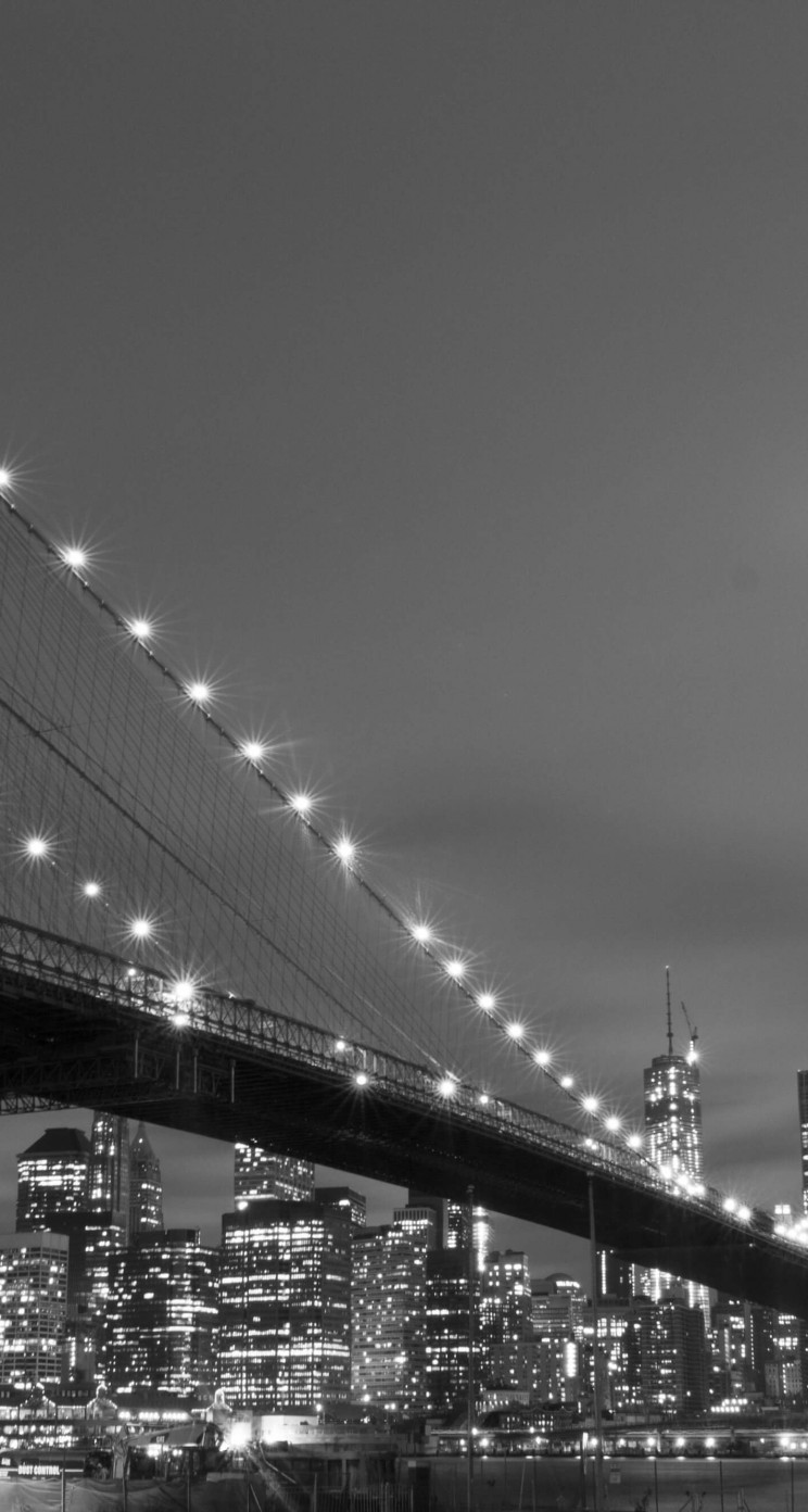 Brooklyn Bridge, New York City in Black & White Wallpaper for Apple iPhone 5 / 5s