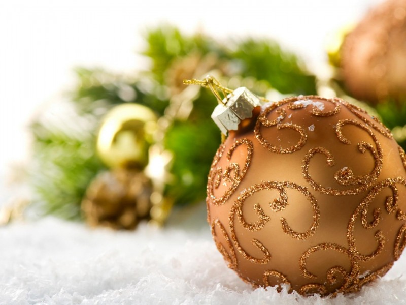 Burnt Orange Christmas Ball Decorations Wallpaper for Desktop 800x600
