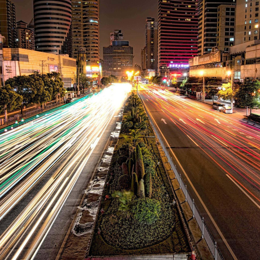 Busy Road in Shanghai at Night Wallpaper for Apple iPad 2