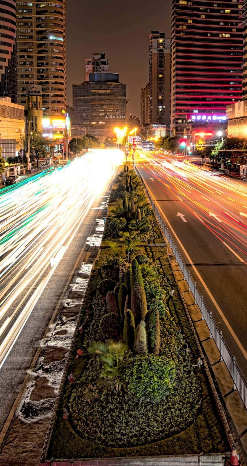 Busy Road in Shanghai at Night Wallpaper for Apple iPhone 6 / 6s