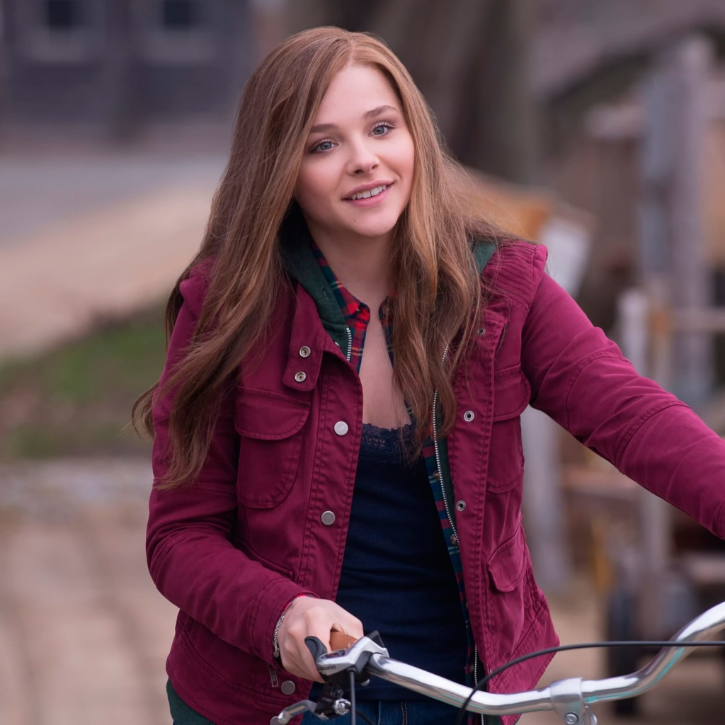 "Chloe Grace Moretz in ""If I Stay"" Wallpaper for Apple iPad"