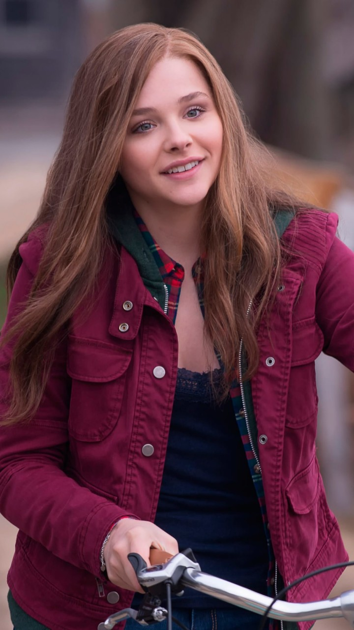 "Chloe Grace Moretz in ""If I Stay"" Wallpaper for Motorola Moto G"