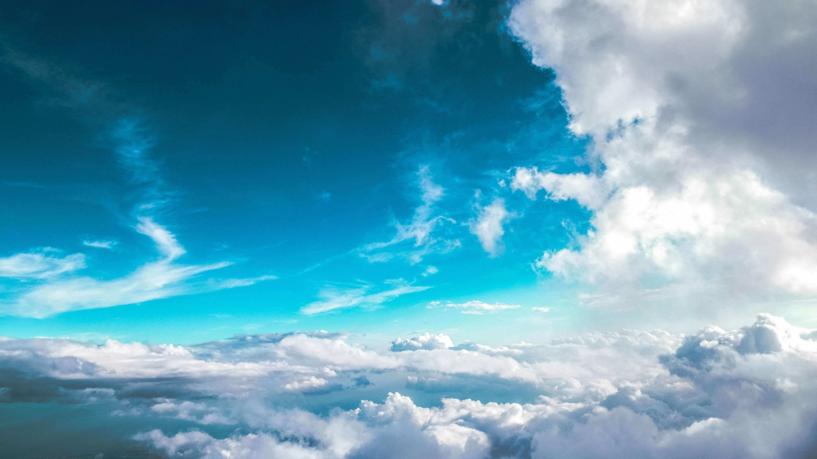 Cloudy Blue Sky Wallpaper for Desktop 1600x900