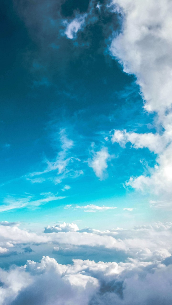 Cloudy Blue Sky Wallpaper for HTC One X