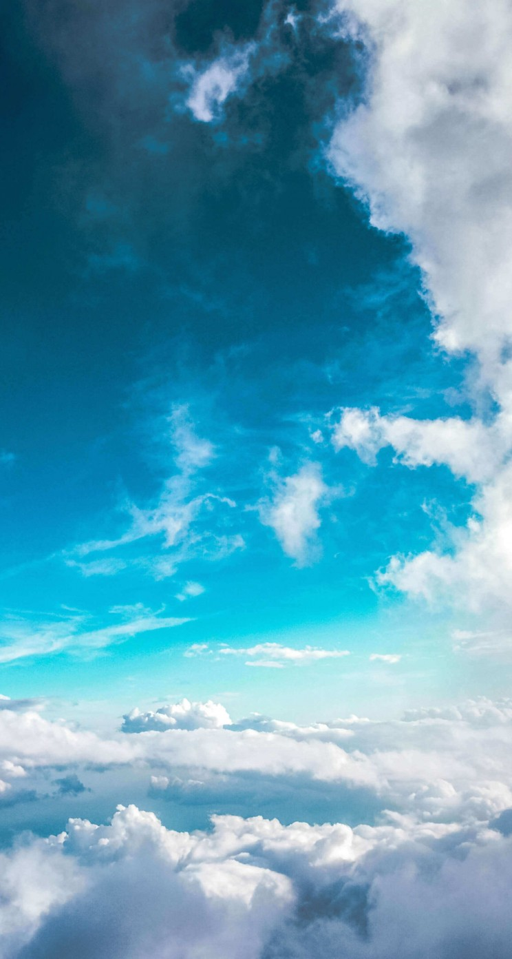 Cloudy Blue Sky Wallpaper for Apple iPhone 5 / 5s