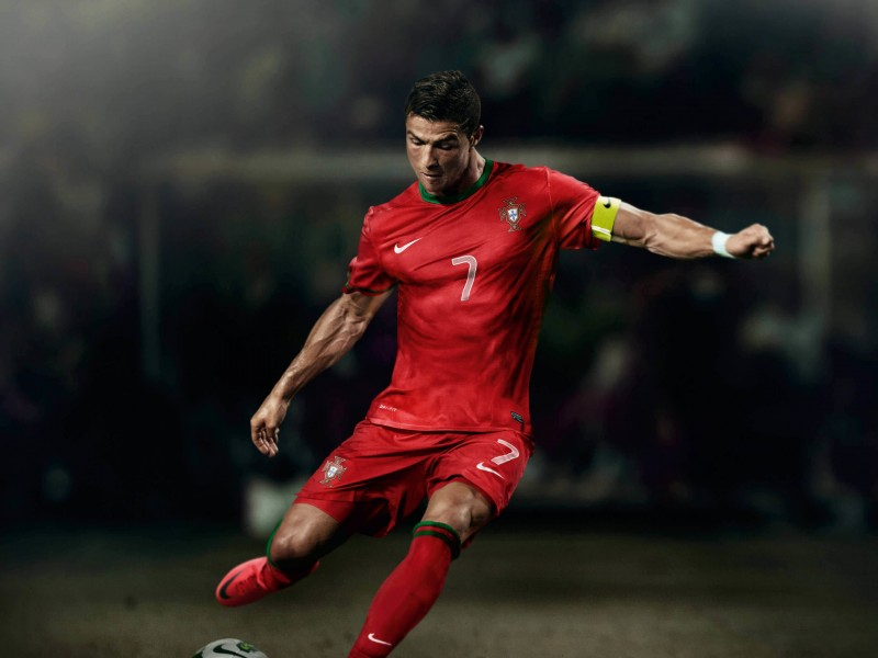 Cristiano Ronaldo In Portugal Jersey Wallpaper for Desktop 800x600