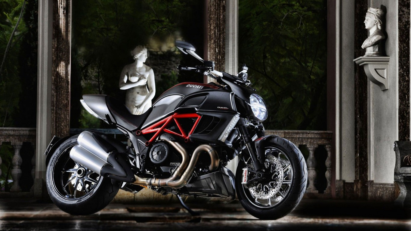 Ducati Diavel Wallpaper for Desktop 1366x768