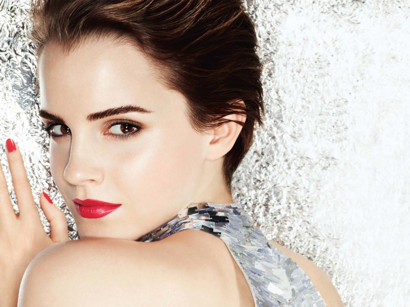 Emma Watson Posing Wallpaper for Desktop 800x600