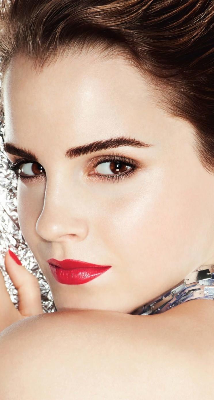 Hd wallpaper emma watson - Download Emma Watson Posing Hd Wallpaper For Iphone 5 5s