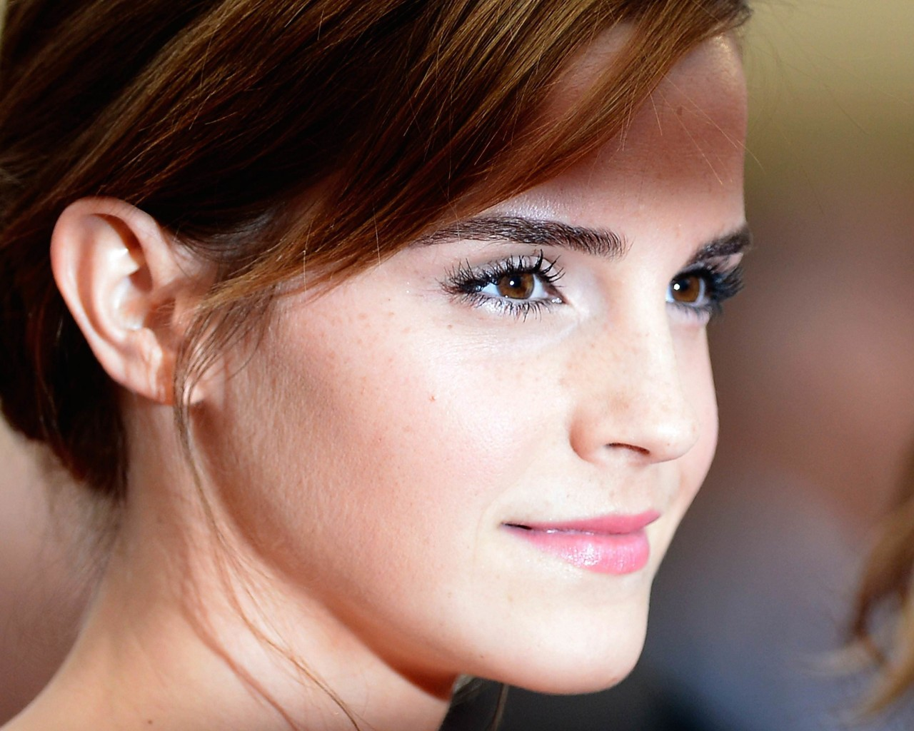 Emma Watson Wallpaper for Desktop 1280x1024