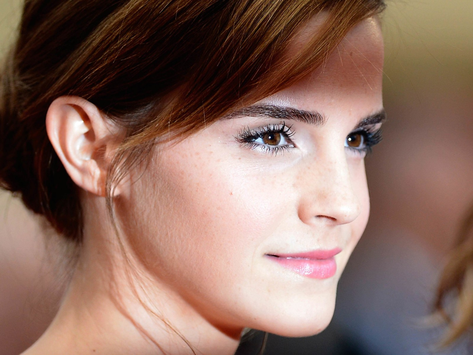 Emma Watson Wallpaper for Desktop 1600x1200