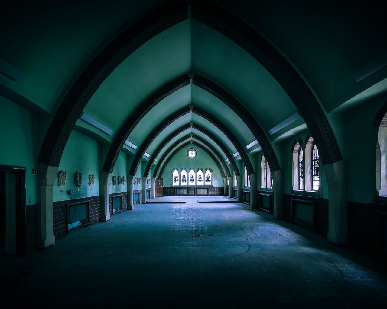 Empty Chapel Wallpaper for Desktop 1280x1024