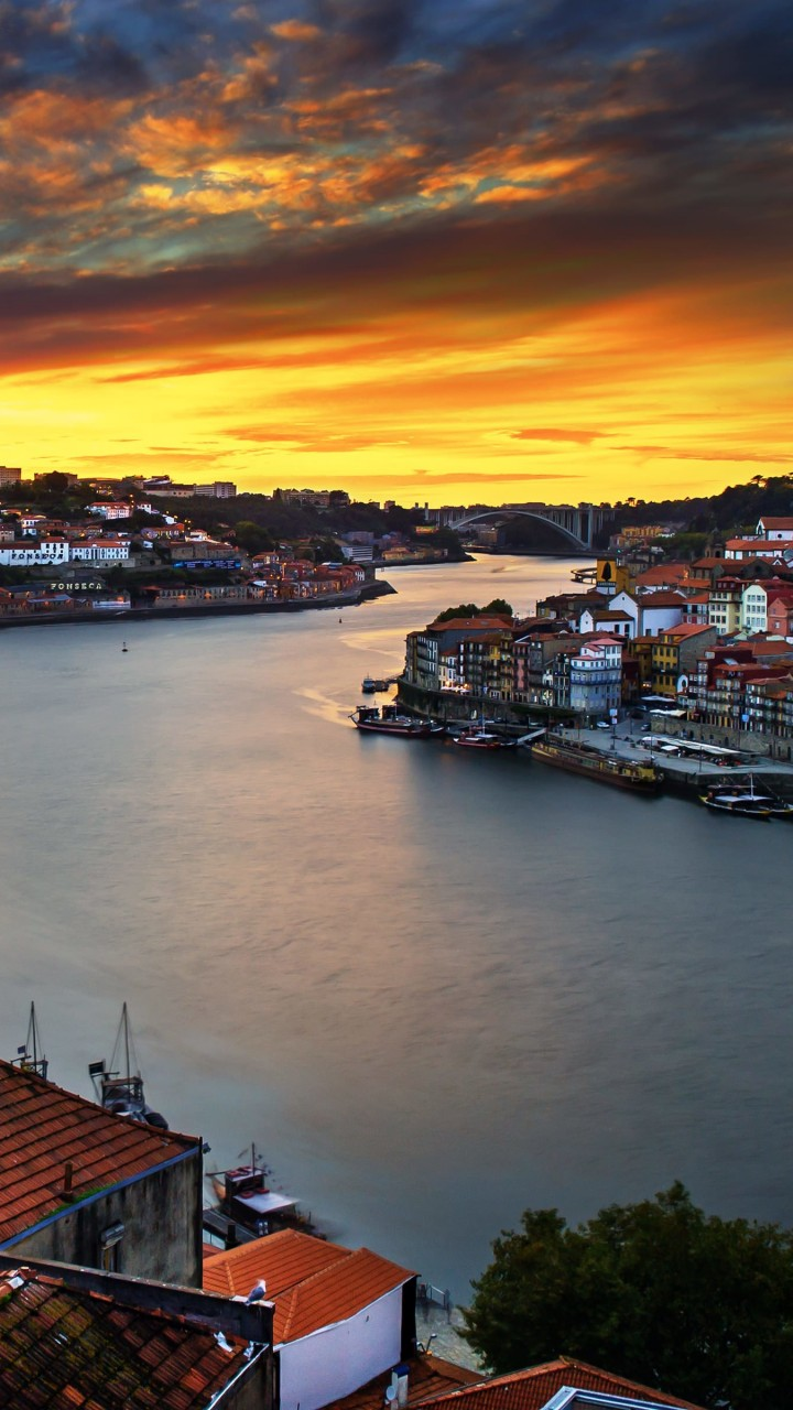Enchanting Porto Wallpaper for Motorola Moto G