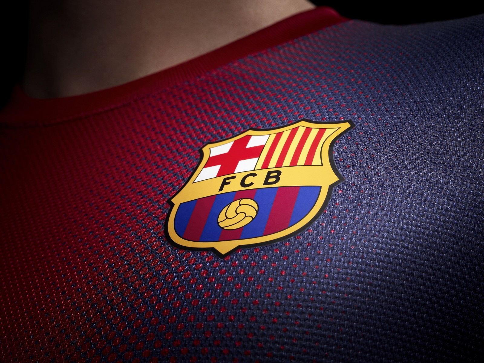 FC Barcelona Logo Shirt Wallpaper for Desktop 1600x1200