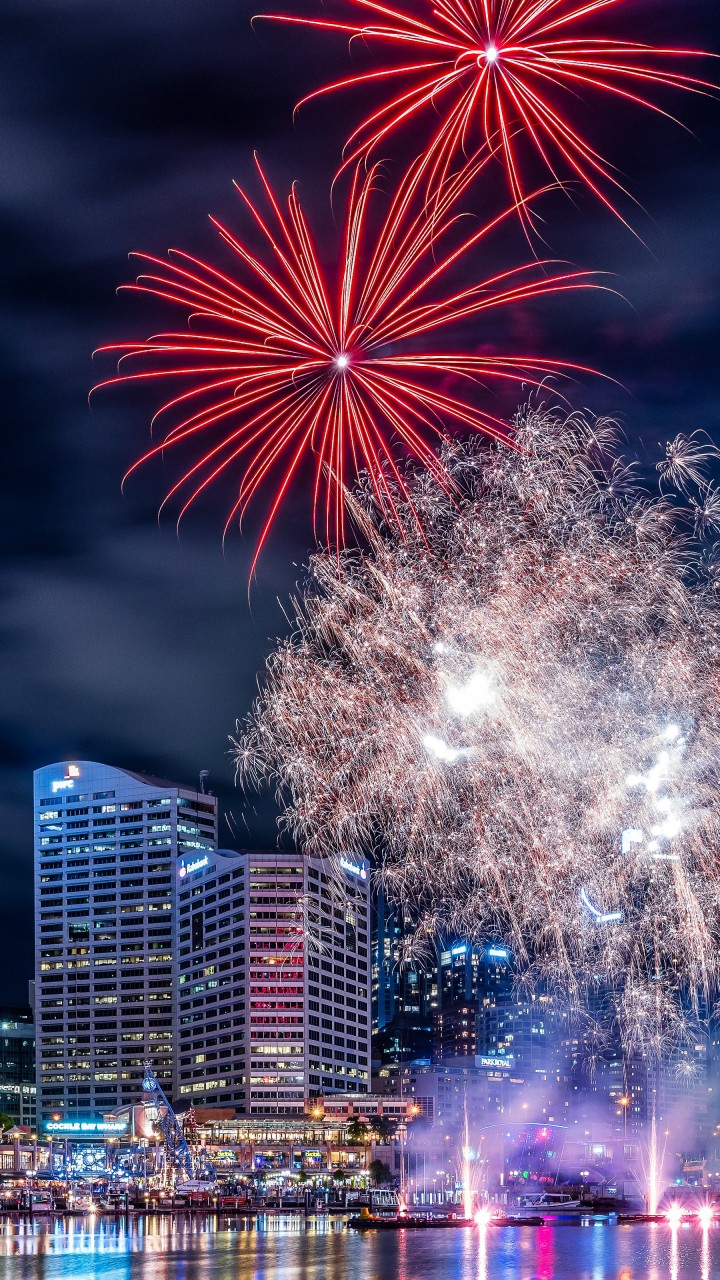 Fireworks In Darling Harbour Wallpaper for SAMSUNG Galaxy S3