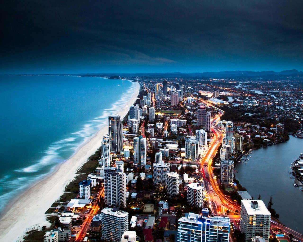 Gold Coast City in Queensland, Australia Wallpaper for Desktop 1280x1024