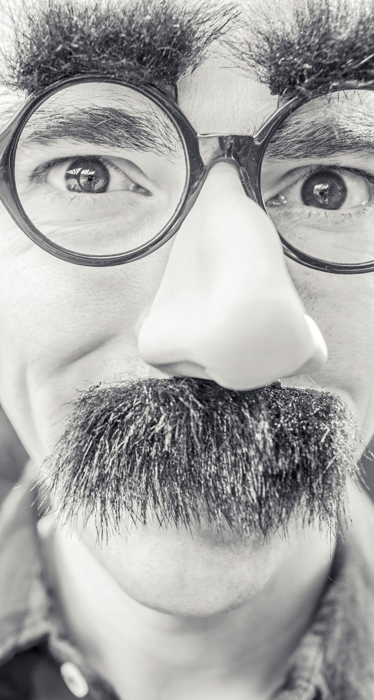 Groucho Glasses Man Wallpaper for Apple iPhone 5 / 5s