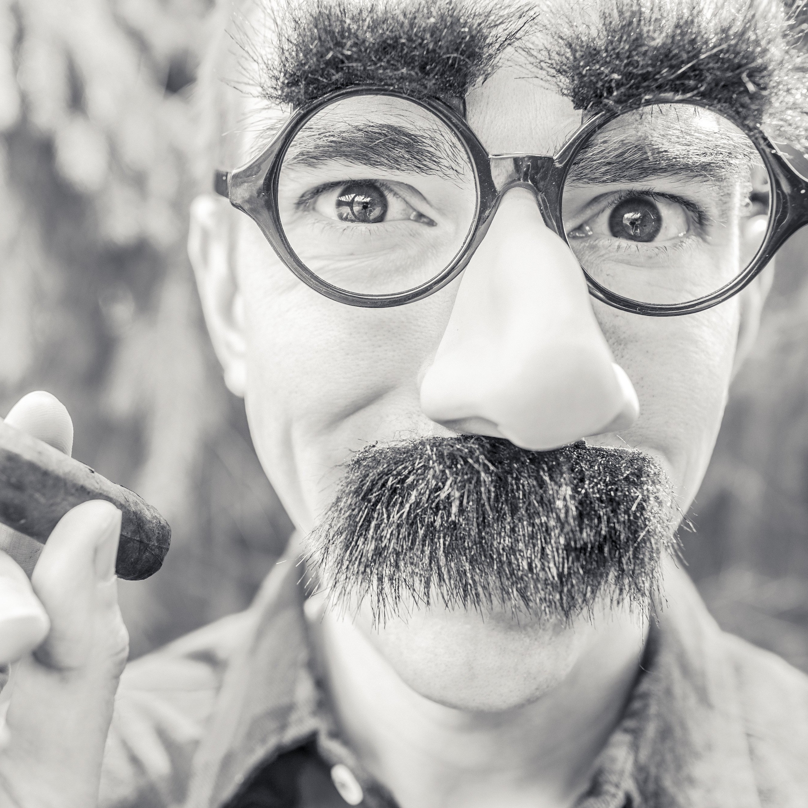 Groucho Glasses Man Wallpaper for Apple iPhone 6 Plus
