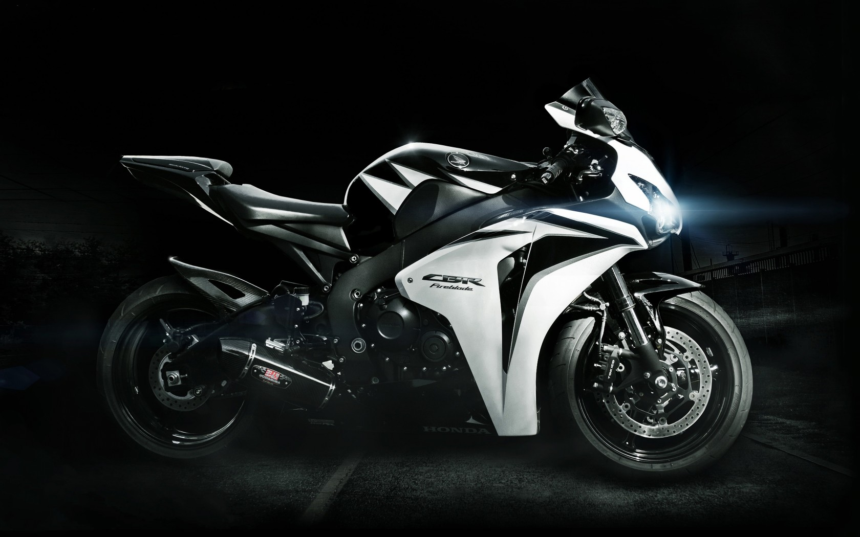 Honda CBR Fireblade Wallpaper for Desktop 1680x1050