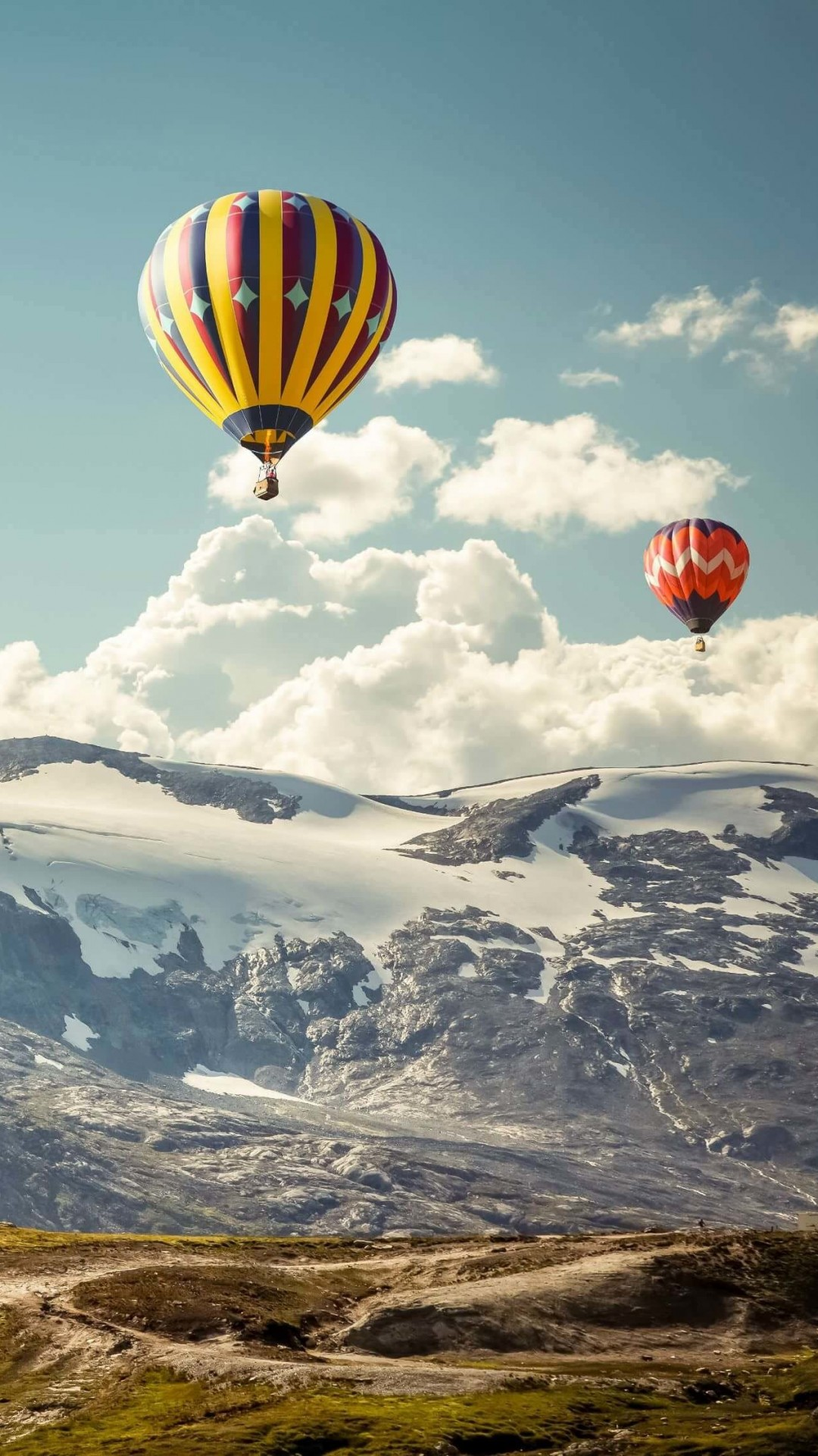 Hot Air Balloon Over the Mountain Wallpaper for HTC One