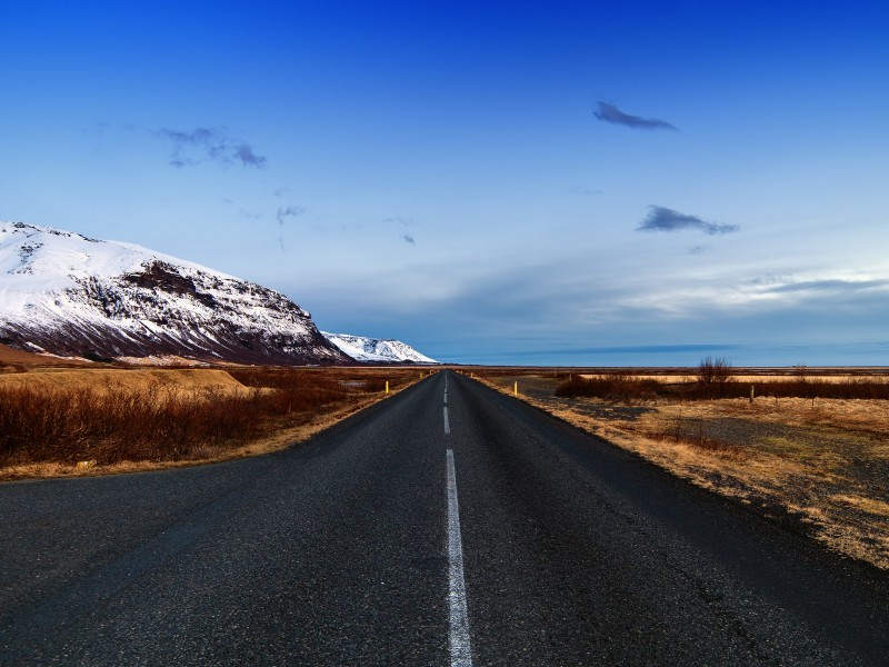 Icelandic Road, Skaftafell, Iceland Wallpaper for Desktop 800x600